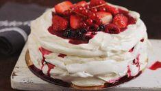 Trifle cu zmeură — Adi Hădean Pavlova, Romanian Desserts, Romanian Food, Cake Videos, Something Sweet, Yummy Cakes, Chocolate Cake, Sweet Recipes, Sweet Treats