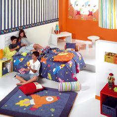 Habitación infantil decorada con la funda nórdica Cosmos Conseguir una decoración así de bonita es muy fácil en https://kusbe.com/