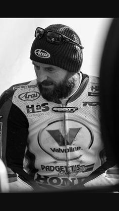 Bruce Anstey Isle of Man 2015               Superbike Winner                        — 132mph Man