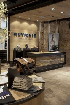 Kuyichi Cork Ireland by Busseniers Retail Design , via Behance Clothing Store Interior, Clothing Store Displays, Clothing Store Design, Showroom Interior Design, Boutique Interior, Retail Interior, Shoe Store Design, Retail Store Design, Retail Stores