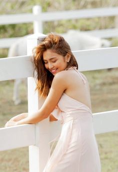 Ideas For Quotes Girl Crush Debut Photoshoot, Debut Ideas, Filipina Actress, Daniel Padilla, John Ford, Princess Girl, Girl Quotes, Crush Quotes, Stunningly Beautiful