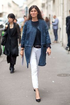 We can always count on French editors to look nothing short of effortless. Emmanuelle Alt styles her pants perfectly, with a navy knit and blue car coat.