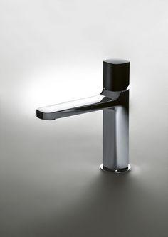 LAMÈ Mezclador de lavabo by Fantini Rubinetti diseño Matteo Thun & Partners New Technology Gadgets, Lavatory Faucet, Faucets, Water Tap, Bathroom Fixtures, Bathrooms, Bath Design, Bathroom Accessories, Industrial Design