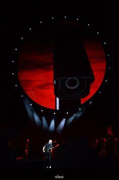 • Roger Waters • Recital, Musica Punk, Roger Waters The Wall, Dark Side Of Moon, Atom Heart Mother, Pink Floyd Albums, Psychedelic Music, Vintage Metal Signs, Love Rocks