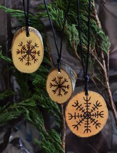 Viking Runes Protection Amulet Aegishjalmur Helm of Awe Norse Mythology Rune Necklace Asatru Protection Talisman Wicca Eagershelm Bindrune Viking