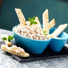Découvrez la recette Rillettes de thon au bleu sur cuisineactuelle.fr. Bruschetta, Hummus, Entrees, Mashed Potatoes, Macaroni And Cheese, Seafood, Dips, Brunch, Yummy Food