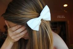Highlights & Bow - Hairstyles How To
