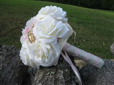Brooch Bouquet -- White, pink, brooches in gold and pearl