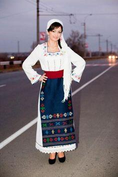 Картинки по запросу молдавский национальный костюм