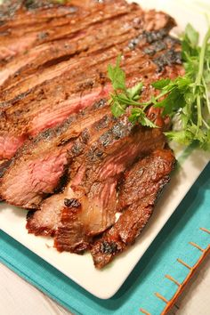 Grilled Teriyaki Flank Steak Recipe : 367 calories and 9 Weight Watchers SmartPoints per serving. Grilling Recipes, Meat Recipes, Dinner Recipes, Cooking Recipes, Healthy Recipes, Healthy Fit, Water Recipes, Recipies, Flank Steak Recipes