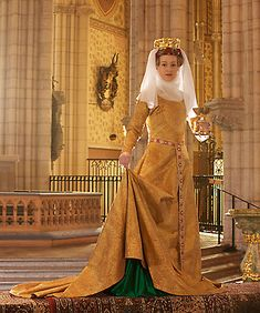 The Golden Gown of Queen Margareta (reproduction), worn between 1403-49. The original is the only surviving evening gown of the time