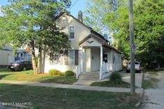 1248 Valley Ave NW, Grand Rapids, MI 49504