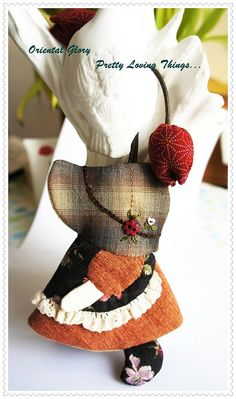 Sunbonnet Sue Hand quilted Key Cover Key Chain  by OrientalGlory, $25.00