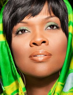 Cece Winans is my sister in the Spirit. God really blessed this lady with beauty, faith & the voice of an angel. <3 Hinesman https://youtu.be/8gyQwCIKh94