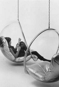 Retro-Futuristic Furniture (1968) Bubble Chair By Eero Aarnio - $699 | FuturisticSHOP.com