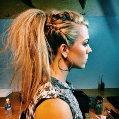 Pony tail with twisted braid!