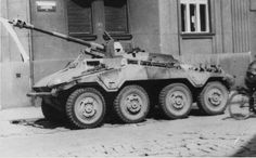 "Sd.Kfz 234/4 ""Pakwagen"" 			 				1 x 7.5 cm PaK 40 L/48 in open-topped superstructure replacing the turret. 89 built between December 1944 and March 1945"