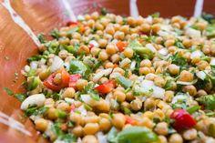Χορταστική, δροσερή, πλούσια! Pasta Salad, Vegetables, Ethnic Recipes, Food, Crab Pasta Salad, Essen, Vegetable Recipes, Meals, Yemek