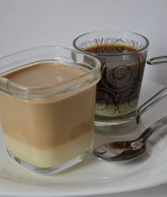 Yogur de café bombón Yogurt, Deli, Panna Cotta, Pudding, Sweets, Chocolate, Coffee, Ethnic Recipes, Desserts