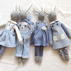 o happy that this little Rabbit family have arrived safely home. I still find it amusing that my bunnies have seen more of the world than Doll Sewing Patterns, Sewing Dolls, Fabric Toys, Fabric Scraps, Muñeca Diy, Bunny Toys, Bunnies, Handmade Stuffed Animals, Fabric Animals