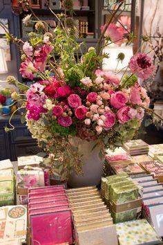 http://rogersgardens.com/floral-studio/
