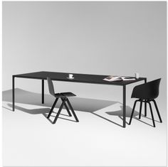 Hay New Order Table SHOP ONLINE: http://www.purelifestyle.be/shop/view/home-living/tafels/hay-new-order-table