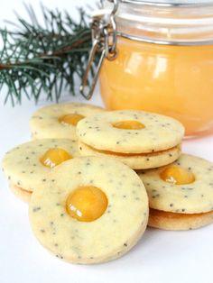 Linecké cukroví s mákem – The Olive Christmas Cookies, Food And Drink, Eggs, Breakfast, Xmas Cookies, Morning Coffee, Christmas Crack, Christmas Biscuits, Egg
