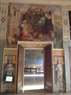 Hidden gems in Lazio - Palazzo Farnese in Caprarola -Sala del Mappamondo Day Trips From Rome, Grisaille, Easy Day, Rome Italy, Windows And Doors, Our Life, Fresco, Places To Go, Gems