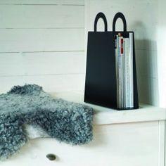 Maze. Bag-shaped magazine rack. Via Triitme!