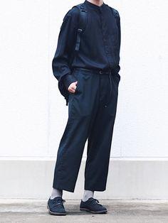 How to Create a Minimalist Capsule Wardrobe Minimal Fashion, Minimal Style, Suit Fashion, Mens Fashion, Cat Dresses, Japanese Outfits, Dress Codes, Wearing Black, Costume Design