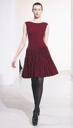 Azzedine Alaïa: più a lungo e in forma per un grande anno - The New York Times Mode Masculine, Fashion Details, Timeless Fashion, Fashion Design, Alaia Dress, Azzedine Alaia, Casual Elegance, Fashion Fabric, Cute Fashion
