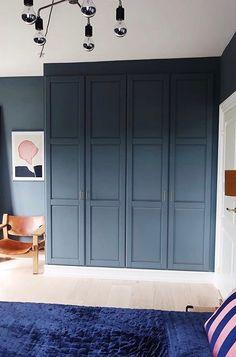 Built In Wardrobe Ideas Layout, Bedroom Built In Wardrobe, Ikea Pax Wardrobe, Closet Layout, Bedroom Wardrobe, Home Bedroom, Bedroom Decor, Ikea Pax Hack, Build A Closet