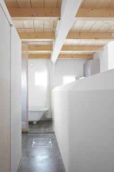 Jun Igarashi Architects, Polished Concrete Floor in Bathroom | Remodelista