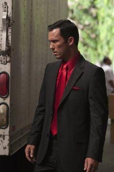 Jeffrey Donovan as Burn Notice's Michael Westen - here as the devil    http://collider.com/wp-content/uploads/burn_notice_season_three_jeffrey_donovan_01.jpg