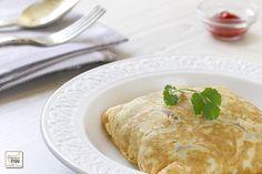 """Hoy haremos una variedad de Tortilla rellena o """"Khai Yad-sai"""" (ไข่ยัดไส้), se trata de una receta muy sencilla y fácil de preparar, con muy pocos ingredientes y además es una forma dife…"""