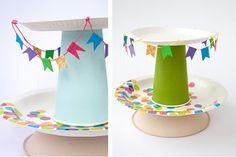 Centro de Mesa para Fiestas Infantiles, Porta Cupcackes con Platos y Vasos de Carton