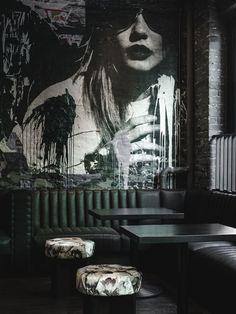 contemporary bar decor, black shades , interior design @karamanndesign  for more inspirations: http://www.bocadolobo.com/en/inspiration-and-ideas/