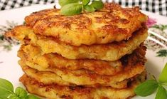 Kedlubnové placky Salmon Burgers, Vegetable Recipes, Cheesecake, Meat, Chicken, Vegetables, Breakfast, Ethnic Recipes, Food