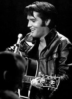 Today 8 January, would have been Elvis Presley's birthday. In remembrance of his fascinating life we're sharing a slideshow from the beautiful images in Elvis Presley: A Southern Life by Joel Williamson. Lisa Marie Presley, Priscilla Presley, Uss Arizona, James Dean, Pearl Harbor, Franck Sinatra, Elvis 68 Comeback Special, Memphis, Tennessee