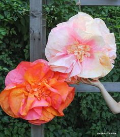 Giant Paper Flowers, Diy Flowers, Fabric Flowers, Fabric Ribbon, Fake Flowers, Coffee Filter Crafts, Coffee Filter Flowers, Coffee Filters, Paper Flower Backdrop Wedding