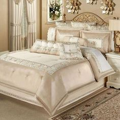 47 romantic and elegant bedroom decor ideas 43 ⋆ All About Home Decor Cheap Bedding Sets, Luxury Bedding Sets, Comforter Sets, Gold Comforter, Affordable Bedding, King Comforter, Bedding Master Bedroom, Home Decor Bedroom, Bedroom Furniture