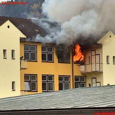 Freiwillige #Feuerwehr Leoben-Stadt: Wohnungsbrand Peter Tunner Straße #ff #firemen #firefighter #fire #room #burn #burning #smoke #brand #feuer #rauch #straz #brandweer #flame #flames #austria #styria #steiermark #österreich