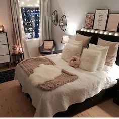 Best Way To Make Home Decor On A Budget Apartment Small Rooms Living Room . - best way to get home decor on a budget apartment small rooms living room – room - Cute Bedroom Ideas, Cute Room Decor, Girl Bedroom Designs, Room Ideas Bedroom, Girls Bedroom, Small Bedroom Decor On A Budget, Girl Rooms, Bedroom Styles, Budget Living Rooms
