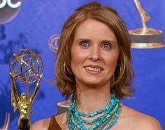 In der US-Serie Sex and the City stritt sie sich als Miranda mit ihrem Mann Steve, im wahren Leben ist sie mit einer Frau zusammen: Die Schauspielerin Cynthia Nixon ist mit Christine Marinoni liiert.