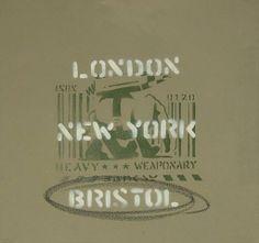Heavy Weaponry (London, New York, Bristol) de l'artiste Banksy