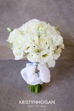 http://brocadenashville.com/wp-content/uploads/2012/09/white-bouquet-682x1024.jpg