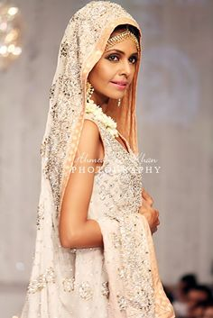 1000 images about iraj on pinterest pakistani couture for Couture meaning in urdu