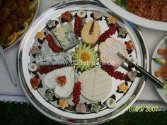 gemischte Käseplatte Snacks, Finger Foods, Food Art, Acai Bowl, Brunch, Food And Drink, Appetizers, Salad, Plates