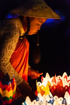 Paper Lanterns seller on the streets of Hoi An
