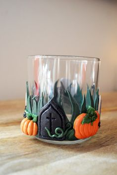 Halloween is a fun bit of time in the calendar and polymer clay Halloween stuff is even more fun. There's something about making silly Jack-o-lanterns, cute candy corns, spooky monsters from …